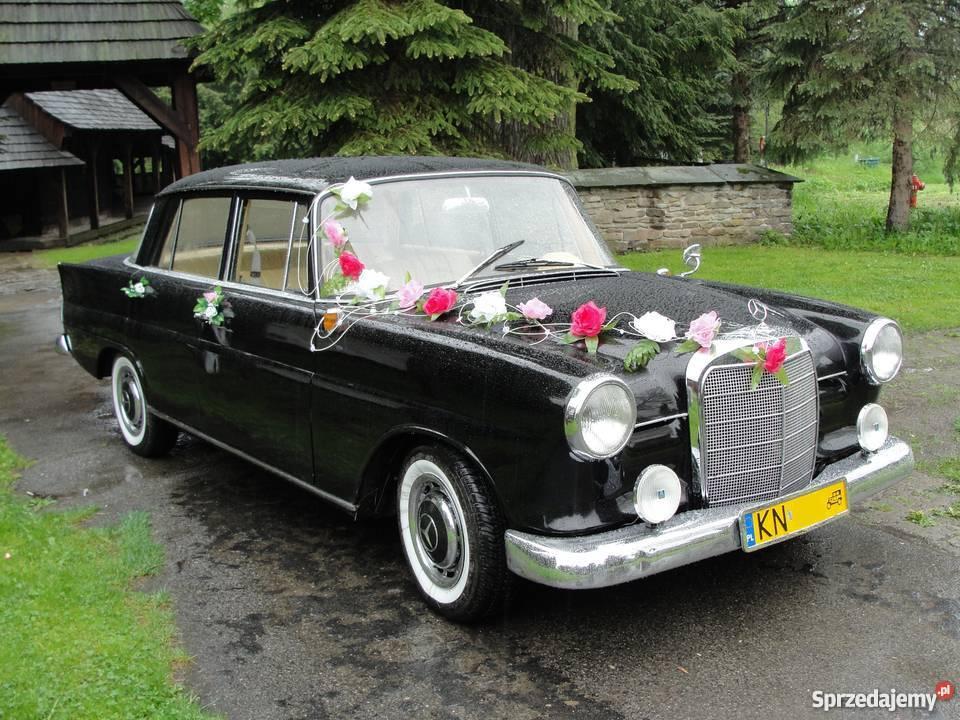 Zabytkowy czarny mercedes do ślubu
