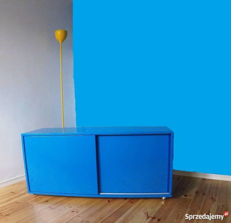 Niebieska komoda