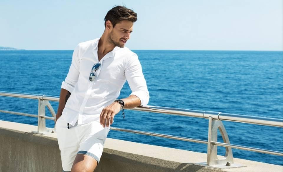 Jakie spodnie dla mężczyzny na lato? Jak wybrać modne i wygodne spodnie?