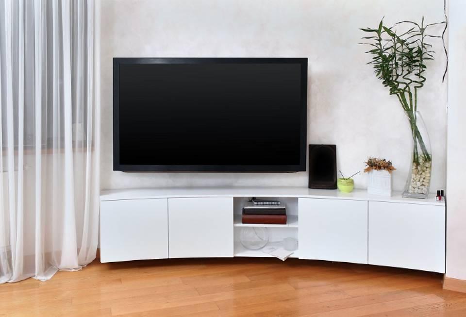 Jaki telewizor do małego mieszkania?