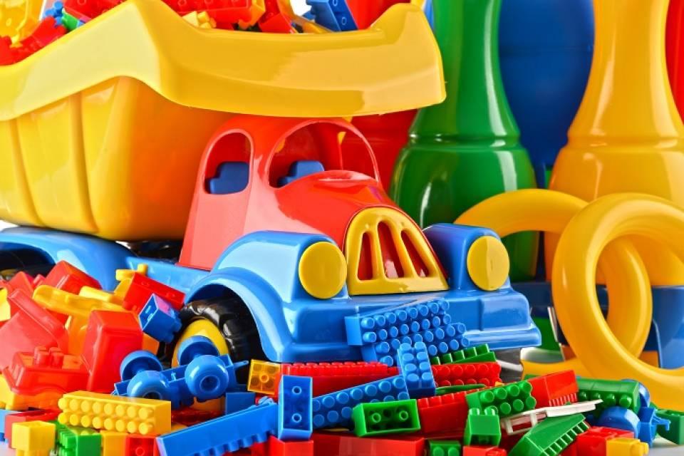 W czym przechowywać zabawki w pokoju dziecka?