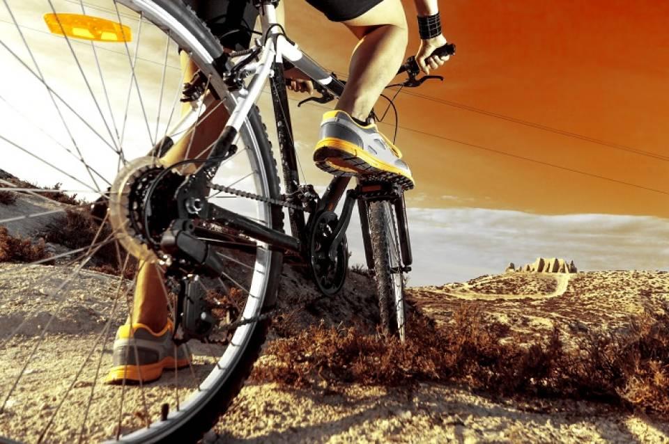Jakie akcesoria rowerowe kupić? Co przyda się podczas wycieczki rowerowej?