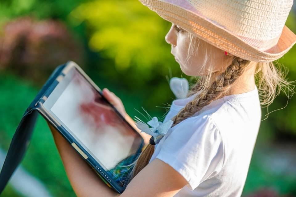 Jaki tablet dla dziecka? Lista rzeczy, na które warto zwrócić uwagę