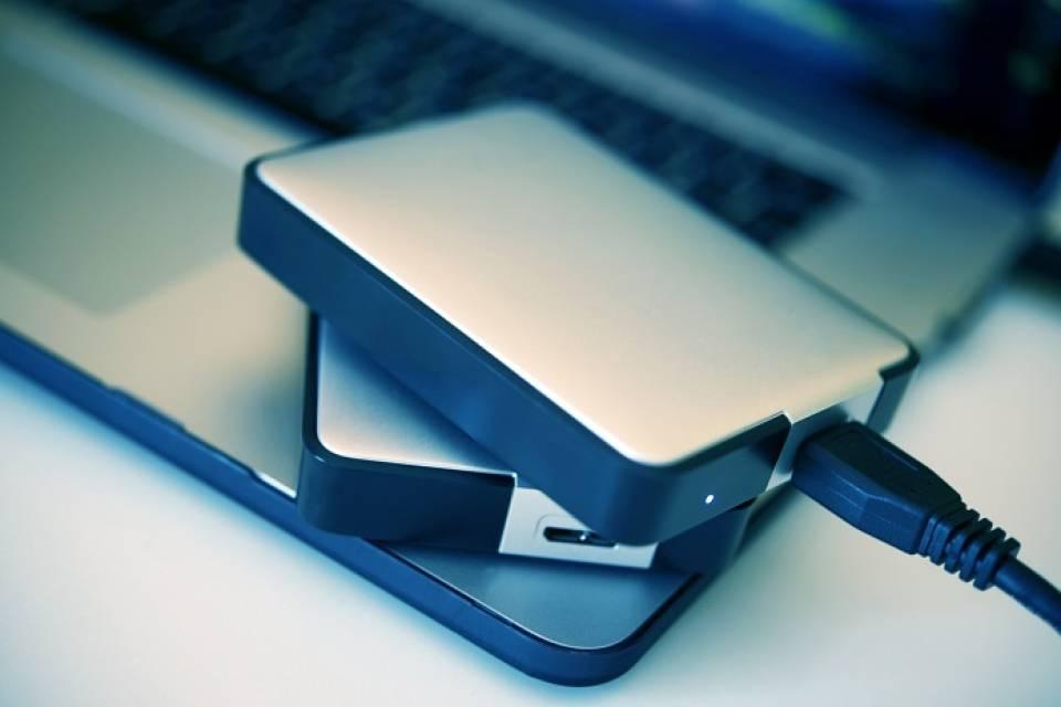 Co dokupić do laptopa? Przydatne akcesoria i gadżety do laptopa