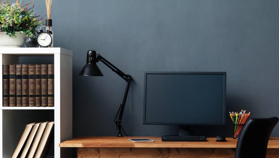 Jak wybrać meble do biura? Jakie wyposażenie jest niezbędne?