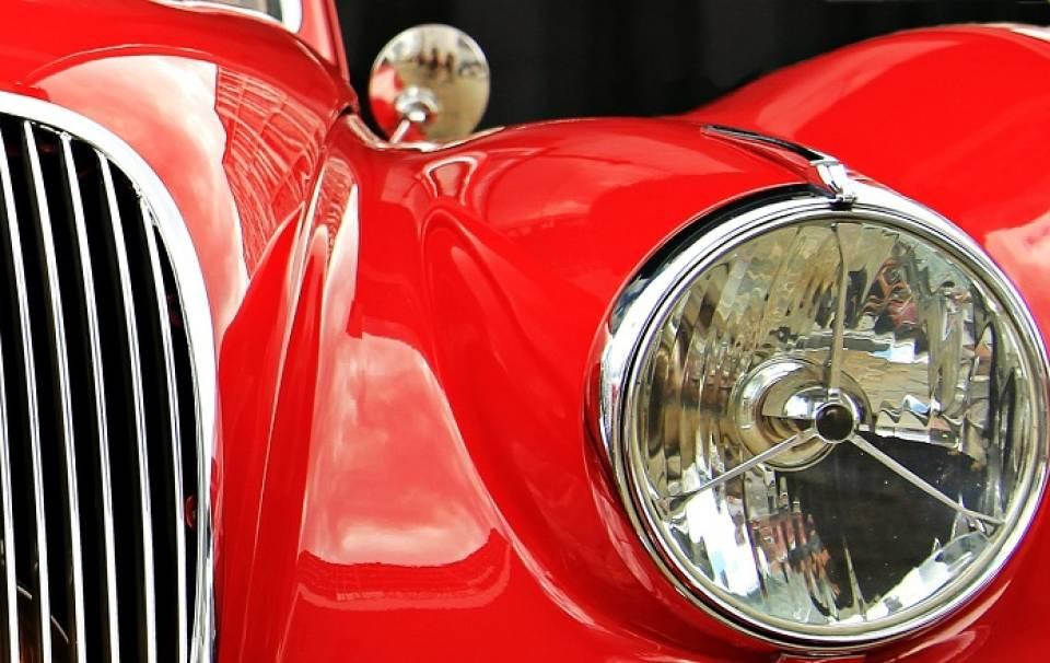 Jak poprawić działanie świateł w samochodzie?