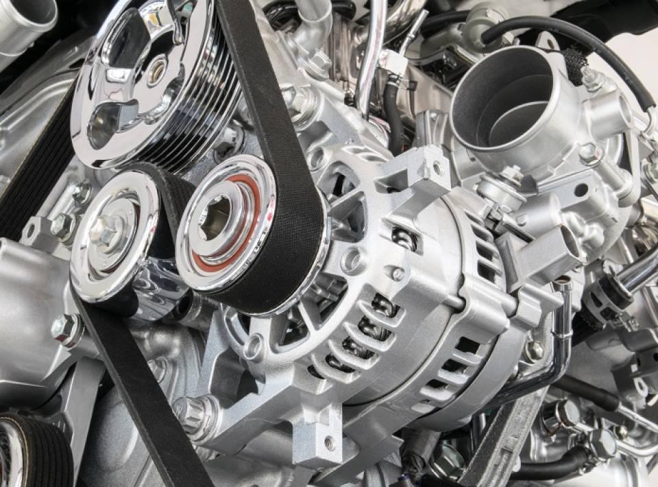 Wymiana silnika w samochodzie - skąd silnik, ile kosztuje, kiedy wymieniać?