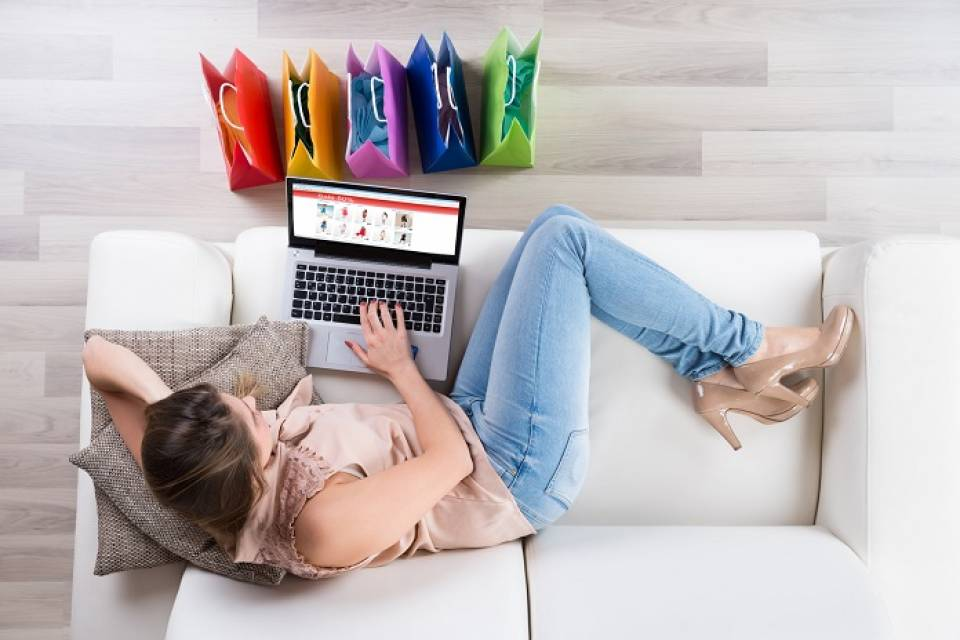 Jak tanio kupować prezenty? 7 sposobów na tanie zakupy