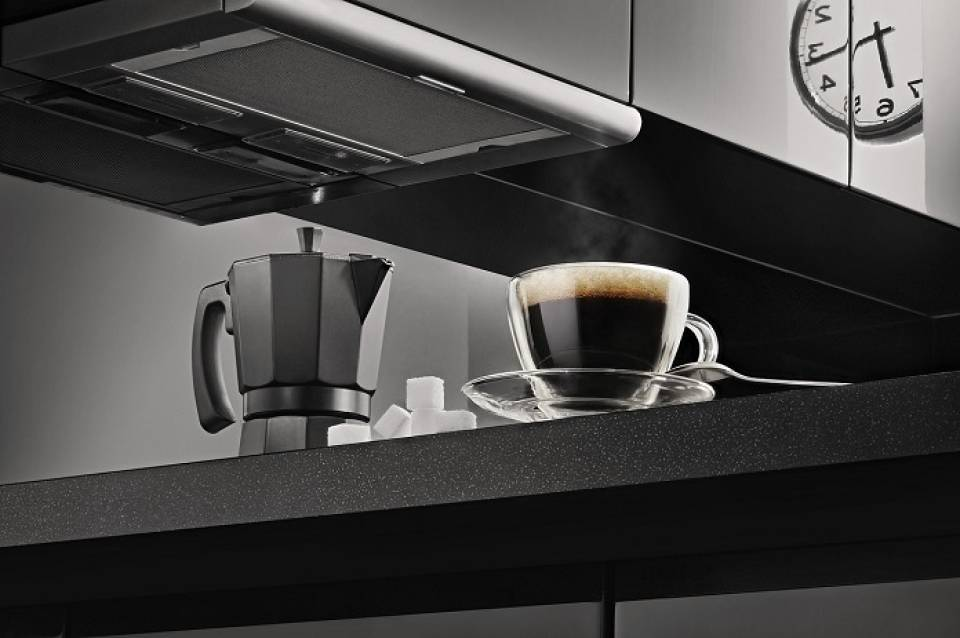 W czym parzyć kawę? Najpopularniejsze urządzenia do parzenia kawy