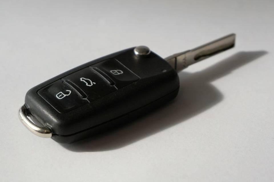 Jak dorobić klucz do samochodu? Koszty dorobienia zapasowego kluczyka do auta