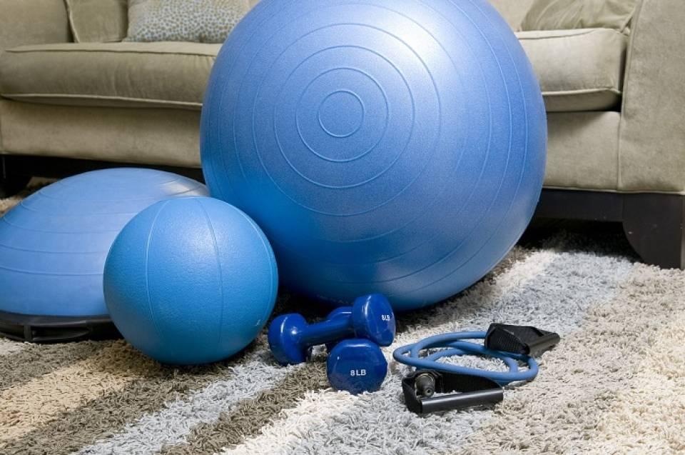 Jak schudnąć w domu? Sprzęty fitness dla każdego