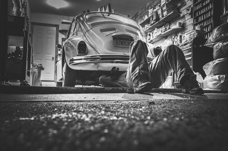 Jak znaleźć dobrego mechanika samochodowego, wulkanizatora, czy serwisanta klimatyzacji?