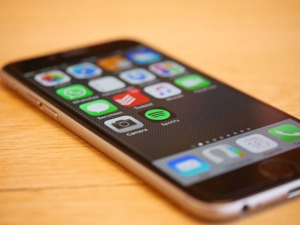 Jak wybrać wodoodporny smartfon?