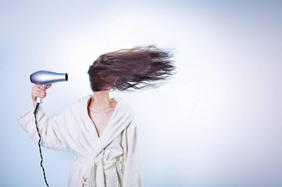 Jaką suszarkę do włosów kupić?