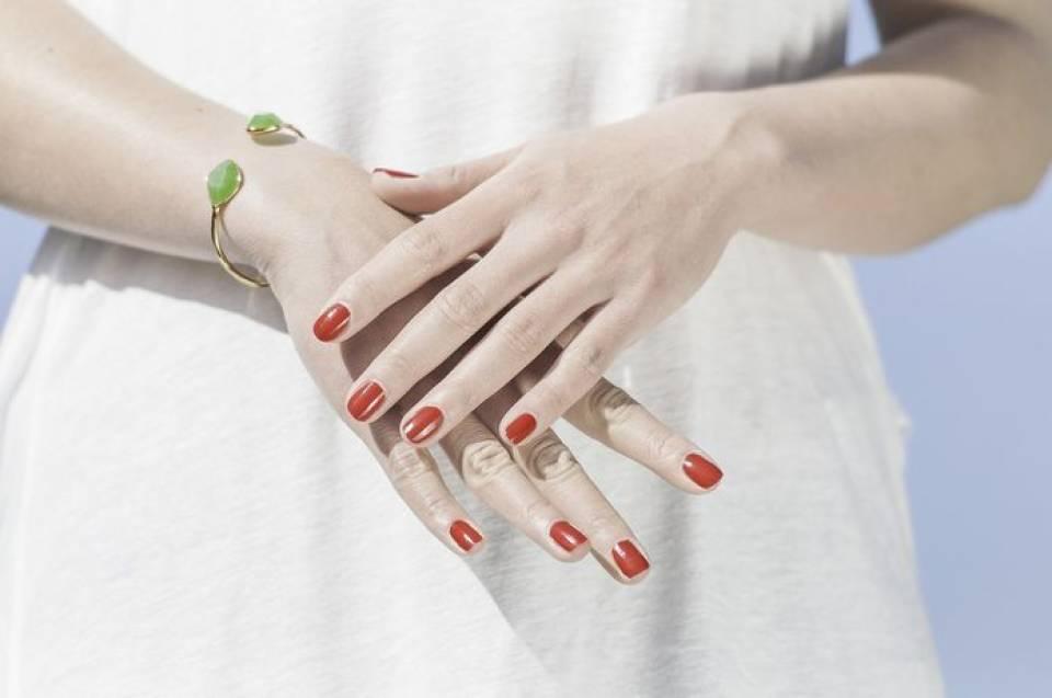 Jak dbać o paznokcie? Kosmetyki i akcesoria do pielęgnacji paznokci