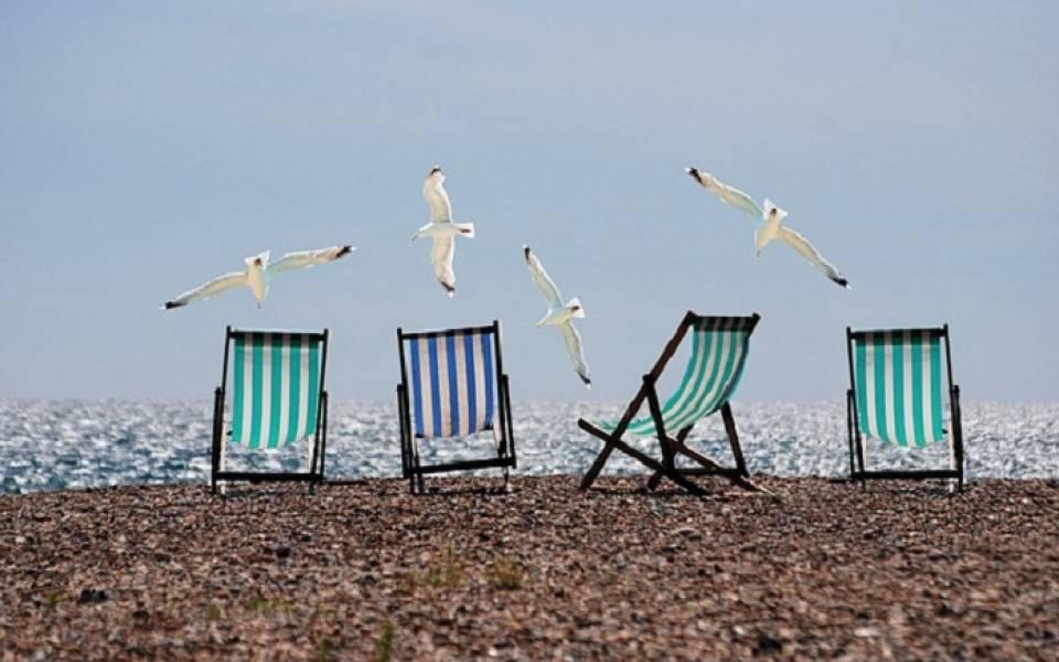 Pokój w pensjonacie, apartament, domek, czy kemping - jaki wybrać nocleg nad morzem?