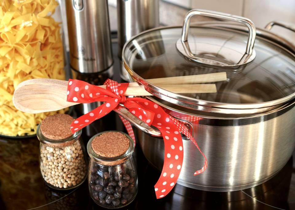 Czego potrzebujesz w kuchni? Ranking najbardziej przydatnych akcesoriów