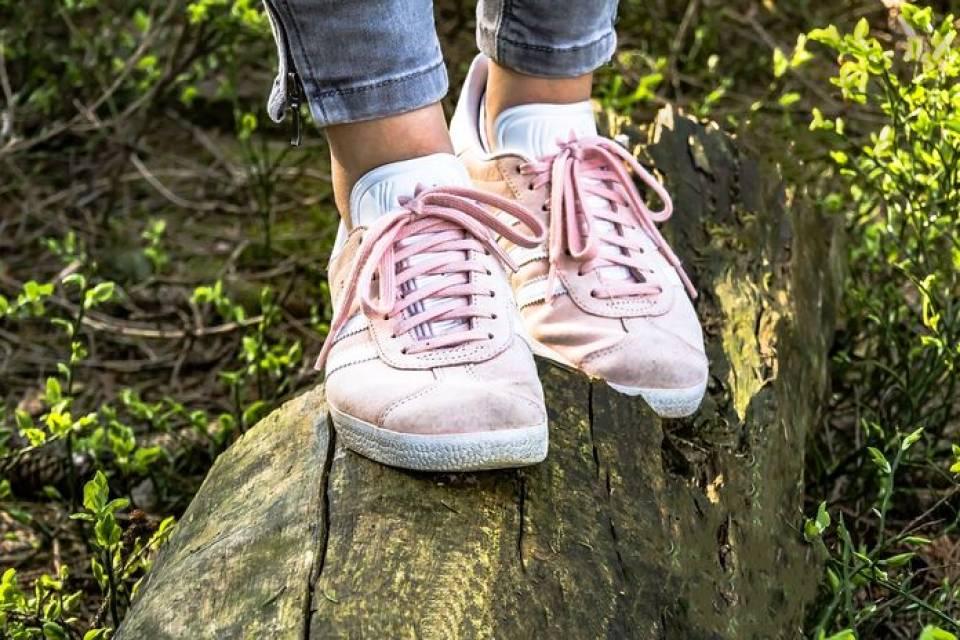 Sportowe ubrania na wiosnę - sneakersy, bokserki, bojówki, co jeszcze?