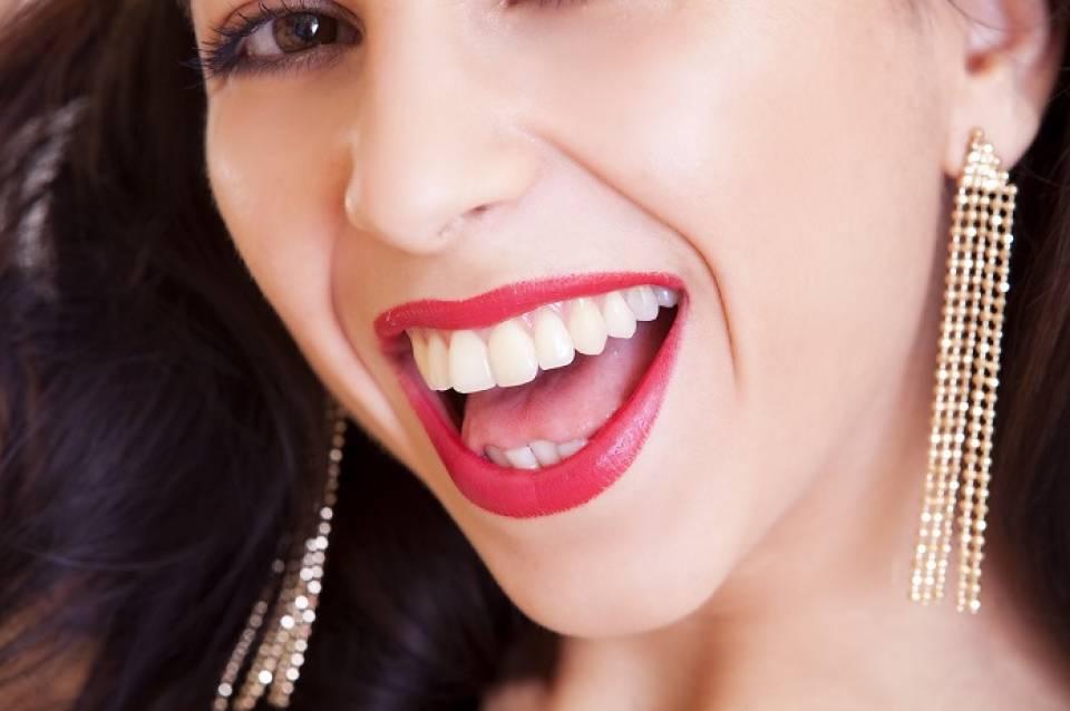 Jak dbać o zęby? Sposoby na zdrowy, biały uśmiech