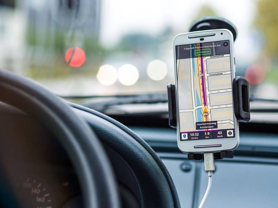 Какой автомобильный держатель? Как выбрать держатель для телефона?