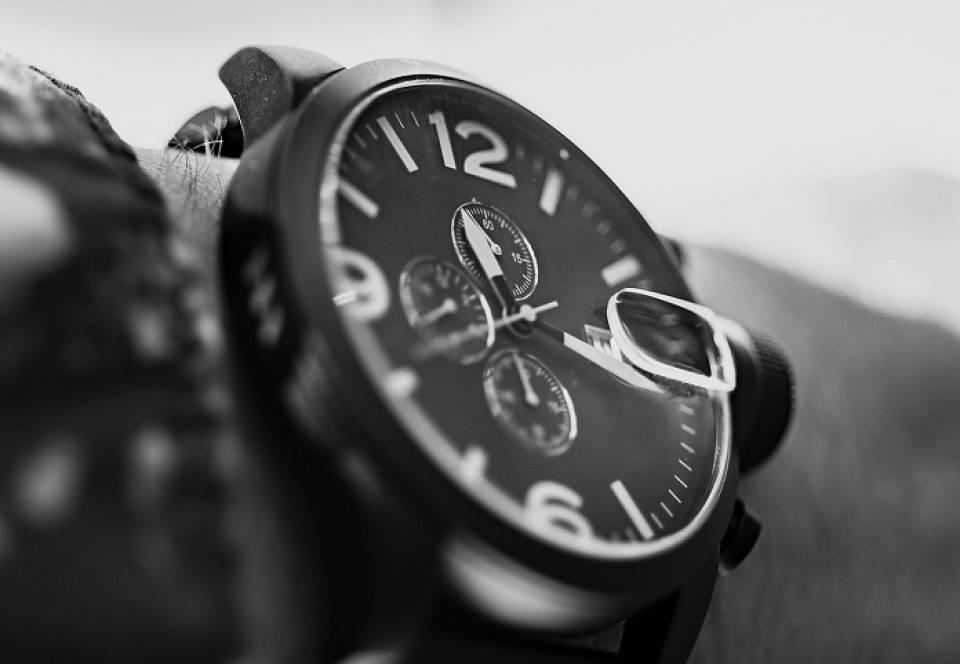 Jaki zegarek kupić? Najmodniejsze zegarki damskie i męskie