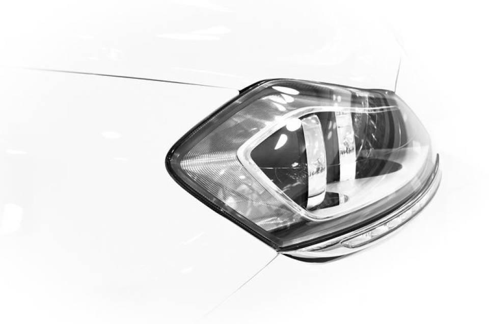Jak Wyczyścić Reflektory Samochodowe Sposoby Na Polerowanie