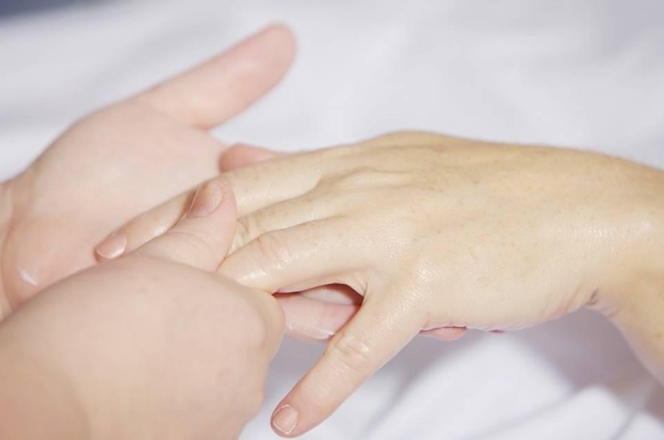 Manicure japoński – czym jest i jak go samodzielnie wykonać?