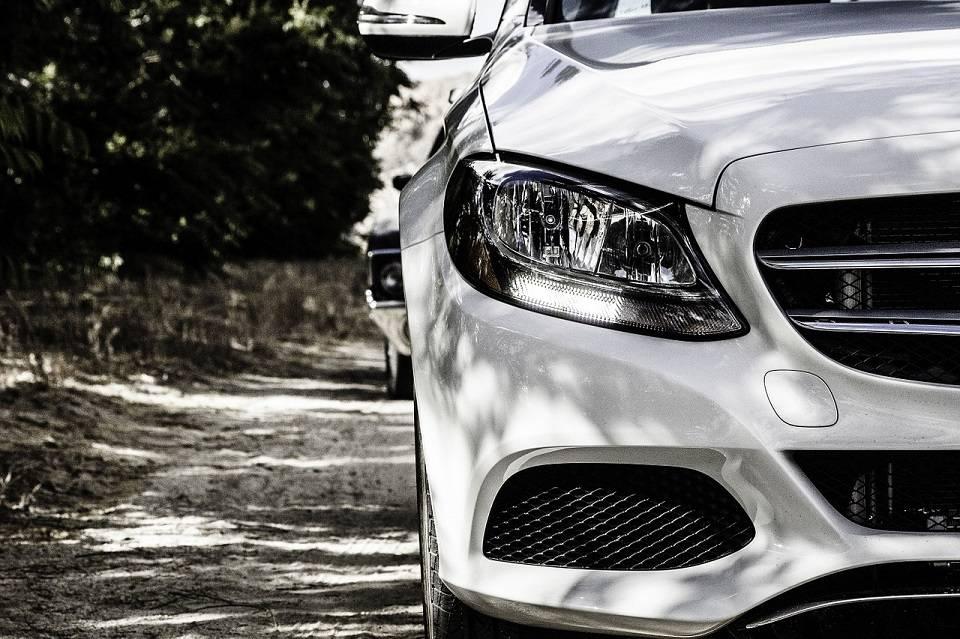Jak wyciszyć samochód samodzielnie? Lista potrzebnych sprzętów i narzędzi