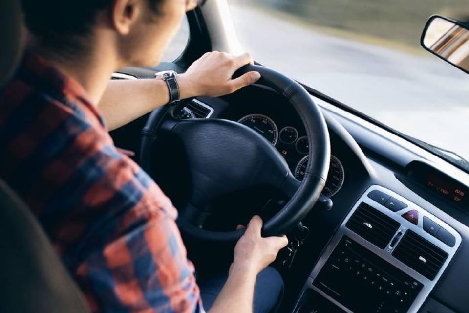Jak nie zasnąć za kierownicą? 6 wskazówek dla kierowców