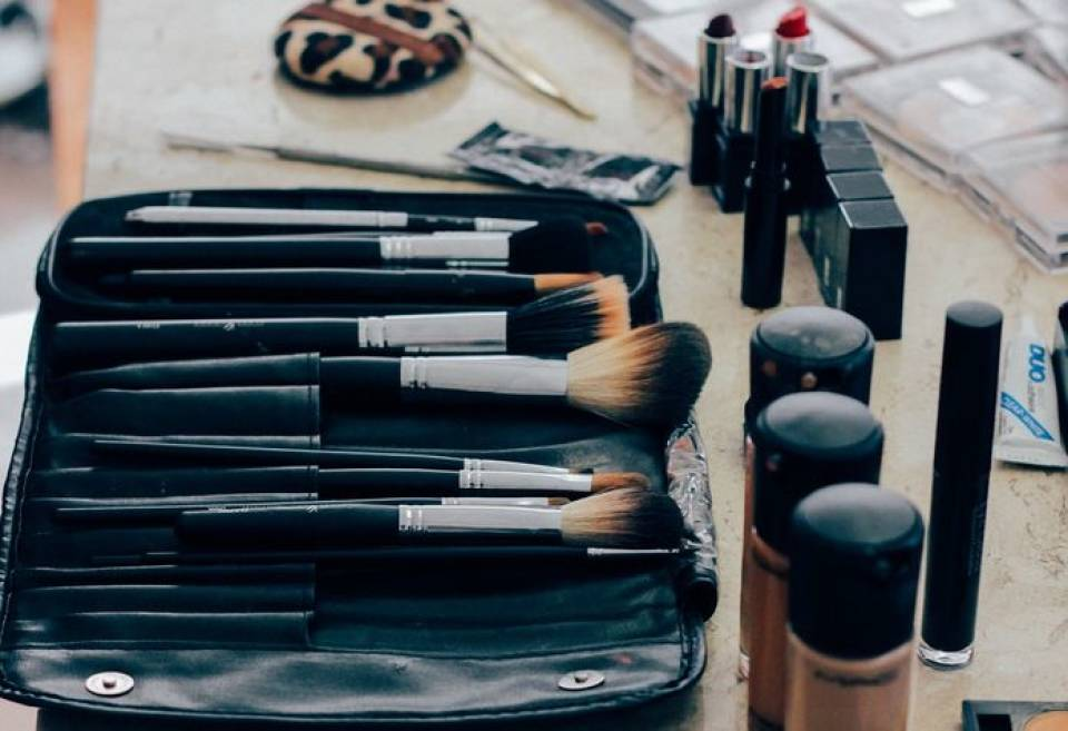 Jakie pędzle do makijażu wybrać? Podstawowe pędzle do make-upu