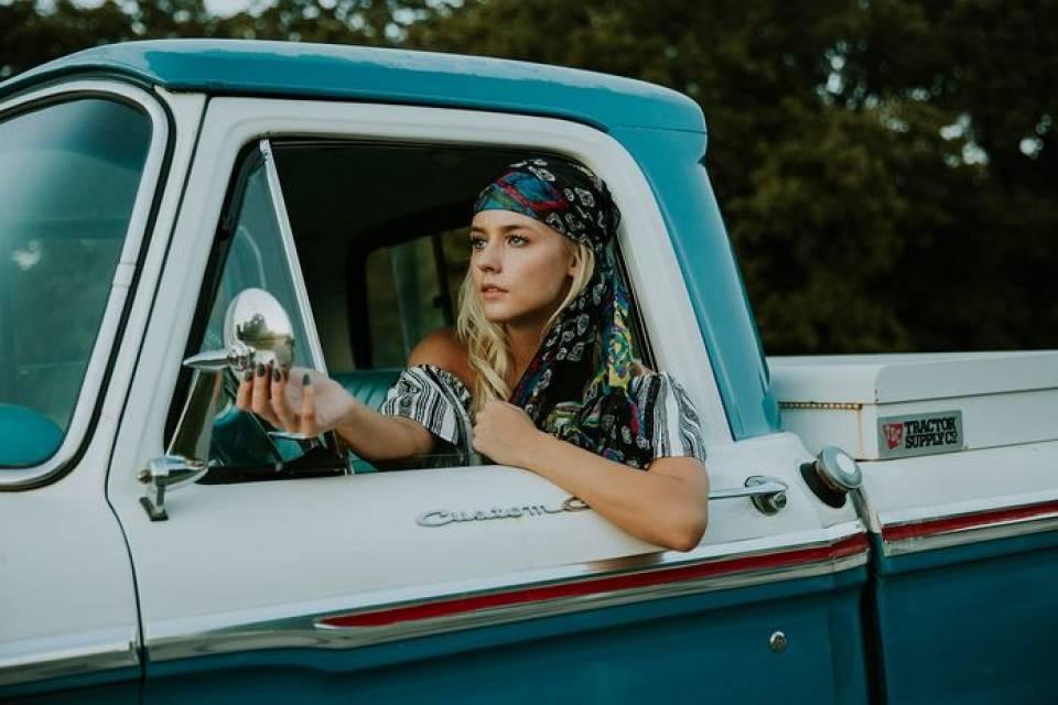TOP 5 kobiecych gadżetów do auta