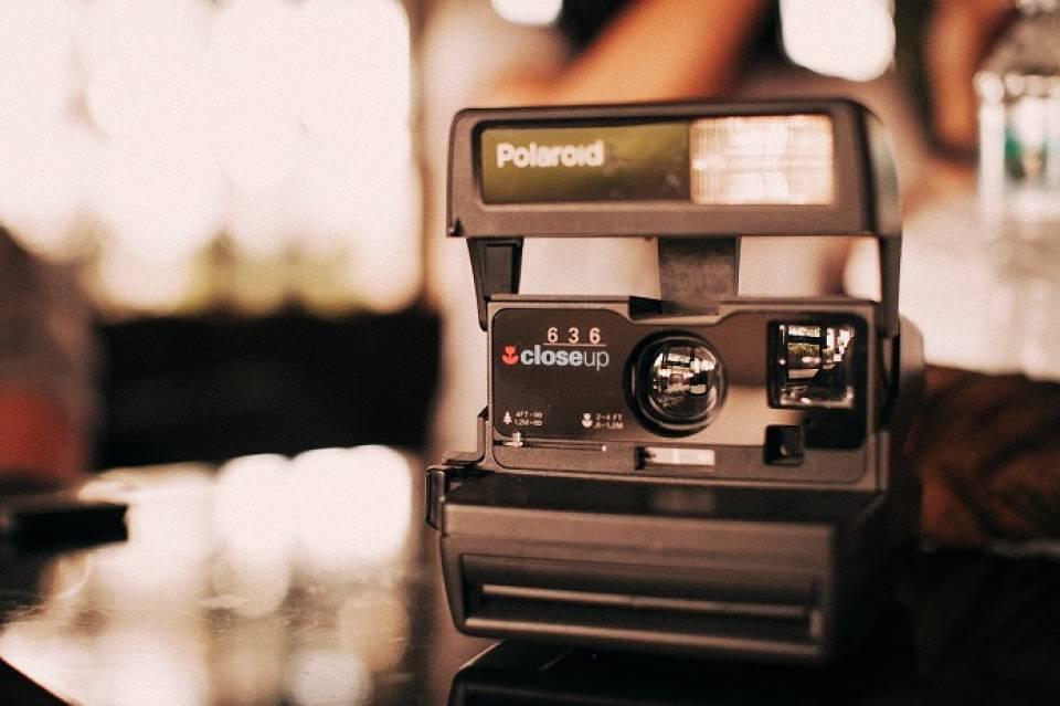 Instax czy Polaroid? Aparaty do fotografii natychmiastowej