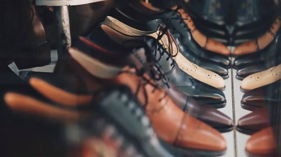 Jak dbać o buty? Najpopularniejsze akcesoria do pielęgnacji