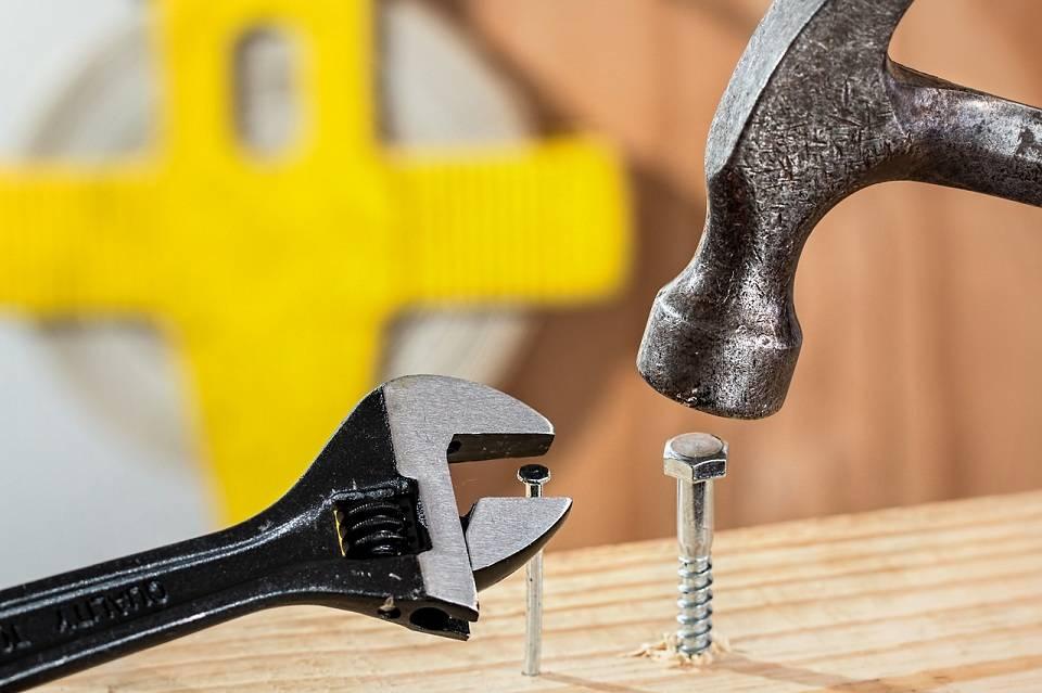 Jakie narzędzia ręczne warto mieć w domu?