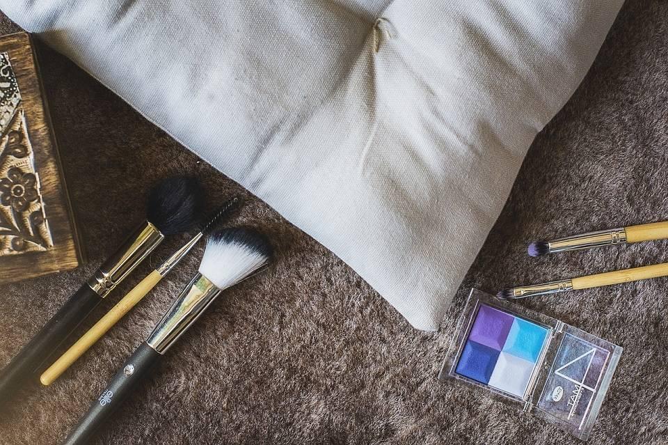 Jak znaleźć pracę w branży kosmetycznej?