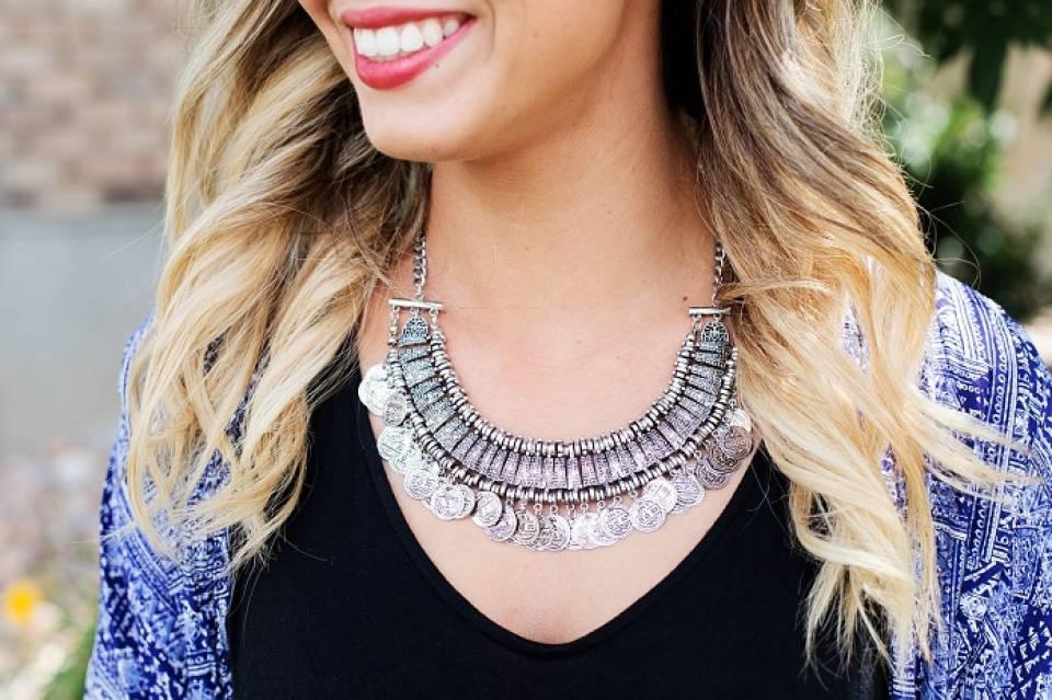Biżuteria dla kobiet - jak dobrać akcesoria do typu urody