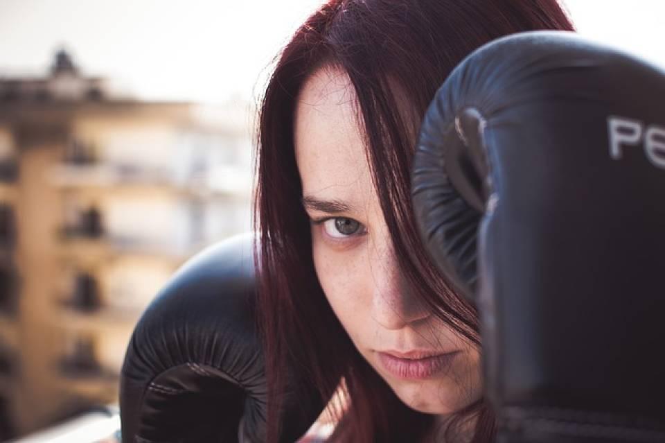 Rękawice bokserskie, tarcze, worki... Jakie akcesoria powinien mieć początkujący bokser?