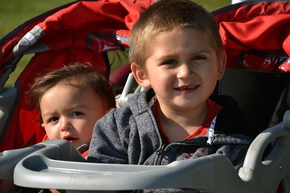 Wózki dla dzieci rok po roku - jak wybrać odpowiedni wózek?