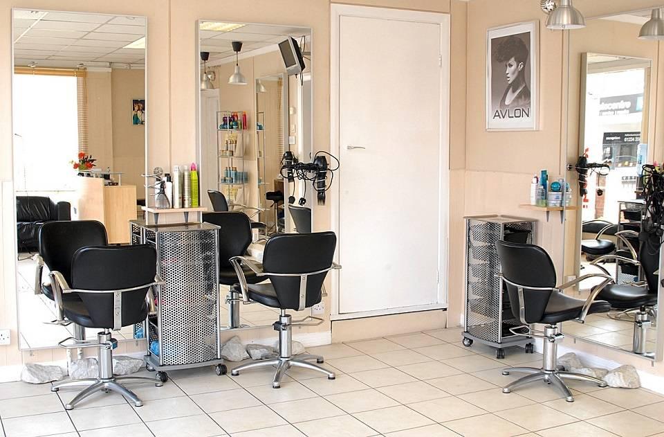 Jak wyposażyć salon fryzjerski? Co jest niezbędne w pracy fryzjera?