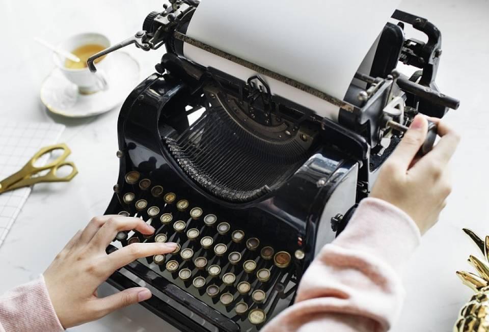 Jak znaleźć pracę w mediach? Od czego zacząć karierę w tv, radiu, gazecie?