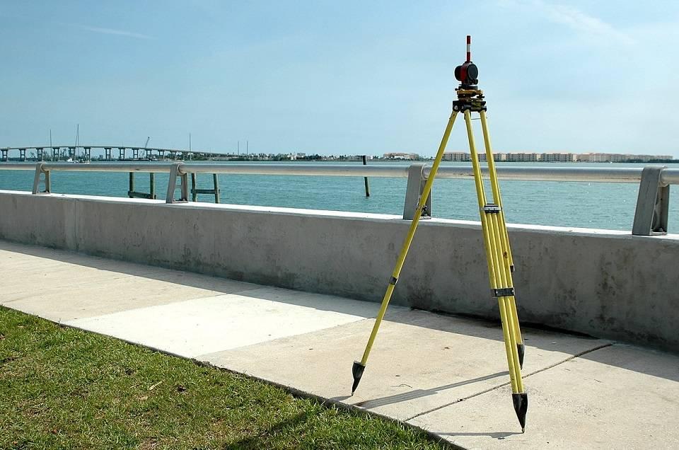Jak wygląda praca geodety? Czym zajmuje się geodeta?