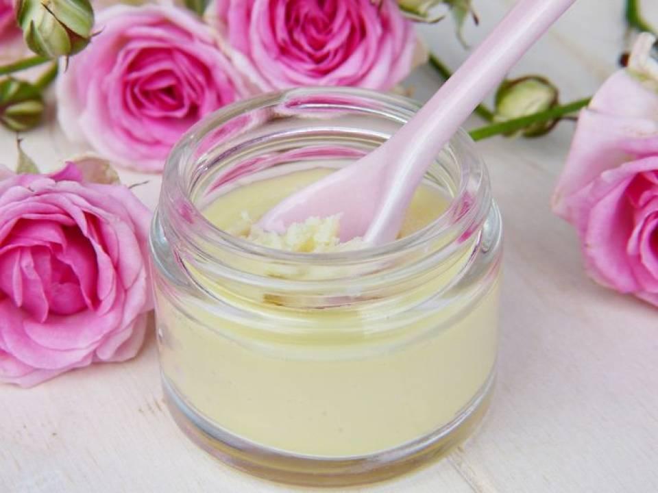 5 przepisów na naturalne kosmetyki, które możesz zrobić w domu