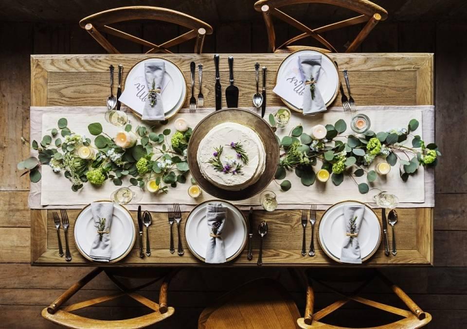 Jak udekorować stół w stylu skandynawskim?