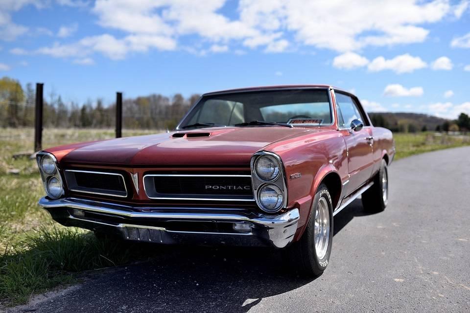 Pontiac – kultowe modele amerykańskich samochodów