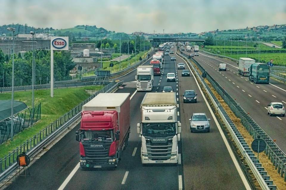 Najpopularniejsze rodzaje nadwozi w samochodach ciężarowych