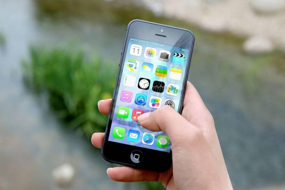 TOP 5 telefonów iPhone: najlepsze modele smartfonów marki Apple
