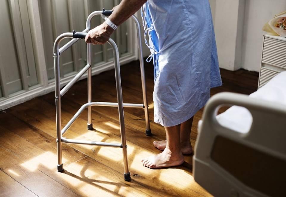 Opiekunka osób starszych - gdzie znajdzie zatrudnienie? Oferty pracy dla opiekunek w Polsce i za granicą