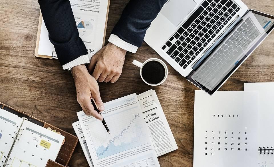 Jak zostać handlowcem? Od czego zacząć pracę jako przedstawiciel handlowy?