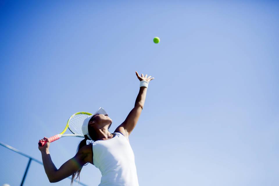 Jak wybrać sprzęt i odzież do tenisa?