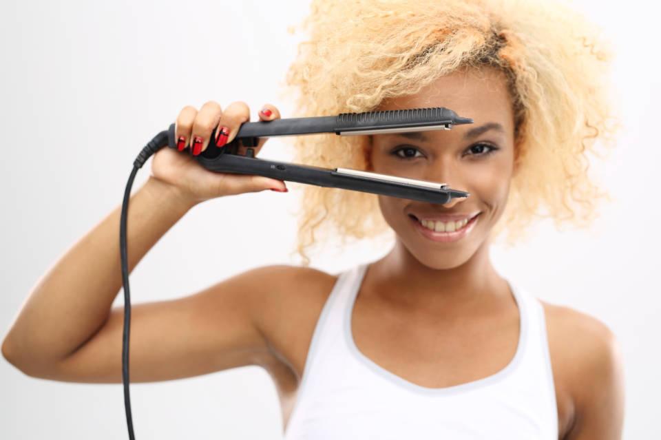Jak wybrać prostownicę do włosów? Najlepsze prostownice do włosów
